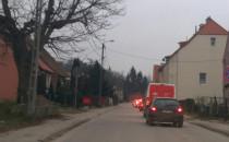 Sznur samochodów na ul.Nowiny po...