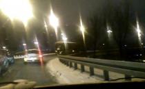 Ciężarówka utknęła na wjeździe na estakadę