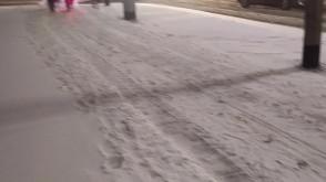 Pług na drodze rowerowej na Zwycięstwa w Gdańsku