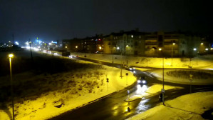 Odrobina śniegu przerosła kierowcę