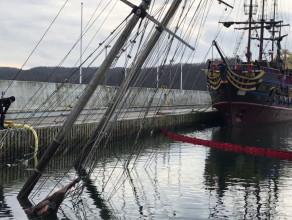 Zatopiony jacht 'Knudel' w gdyńskiej marinie