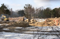 Wyburzono budynki na dawnej działce PKP na Stogach