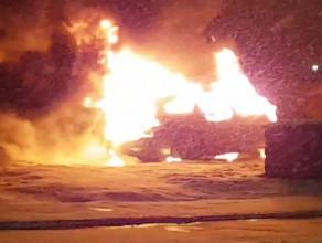 Płonący samochód na Głębokiej w Gdańsku