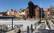 Motława w Gdańsku skuta lodem