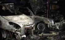 Wraki spalonych aut w Galerii Morena