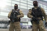 Zespół Interwencji Specjalnych na lotnisku