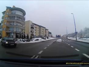 Taksówkarz wyjeżdża pod prąd
