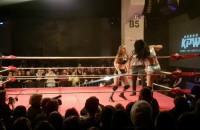 Dziewczyny na ringu, czyli walka wrestlerek w B90