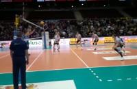 Piłka meczowa w spotkaniu Trefla z Kielcami