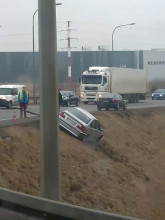Wyciąganie samochodu przy ul. Łąkowej