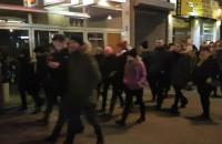 Protest w Gdyni ruszył w górę ul. Świętojańskiej