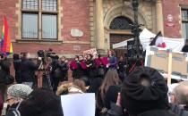 Trwa manifestacja w ramach akcji Czarny...