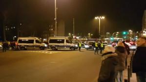 Protestujący przed Urzędem Miasta Gdyni