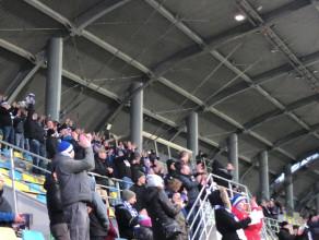 Radość kibiców i piłkarzy Bałtyku Gdynia