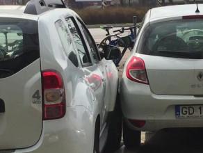 To się nazywa parkowanie na żyletki
