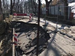Zamknięta ulica Sienkiewicza na Kamiennej Górze