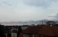 Dym nad centrum Gdańska widoczny z Wrzeszcza