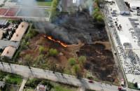 Pożar suchej trawy na ul. Równej w Gdańsku