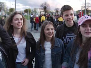 Młodzież przed koncertem Taconafide w Ergo Arenie