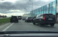 Zapsute auto przyczyną korka na Armii Krajowej