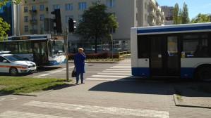 Wypadek autobusu i osobówki na ul. Władysława IV w Gdyni