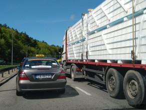 Korek po wypadku na wyjeździe z Gdyni w kierunku Rumi