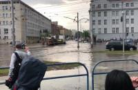 Zalane skrzyżowanie Nowych Ogrodów i 3 maja w Gdańsku