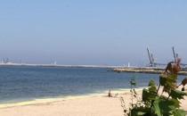 Żółta woda w morzu na Westerplatte