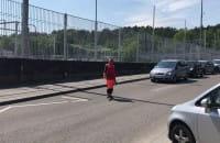 Korek przez robotników na Sportowej w Gdyni przy stacji PKM