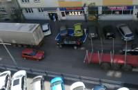 Przejazd samochodów ciężarowych przez ul. Św. Wojciecha w Gdyni