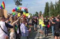 Marsz Równości mija kontrmanifestantów