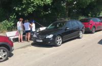 """Kierowcy """"mają gdzieś"""" zakaz parkowania na Orłowskiej"""