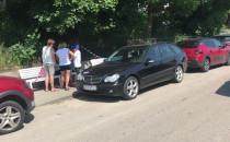 Kierowcy olewają zakaz parkowania na...