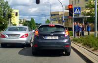 Przejazd przez przejście na czerwonym