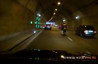 Motocyklista w tunelu...