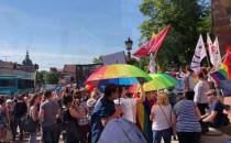 Trwają dwie pikiety przed Radą Miasta Gdańsk