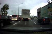 Omijanie korka na skręcie w lewo