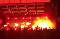 Płomienie na scenie podczas koncertu Bruno Marsa na Openerze