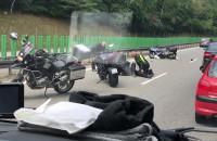 Motocyklista uderzył w tył samochodu