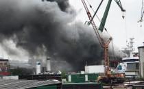 Pali się magazyn na stoczni Gdańskiej