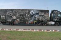Widowiskowo wymalowana ciężarówka na 100-lecie odzyskania niepodległości