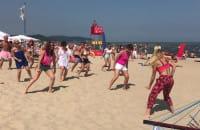 Zumba w Sopocie na Różowej Plaży