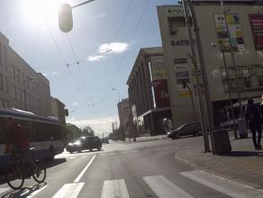 Rowerzysta-kosmita przyblokował autobus
