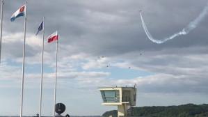 Pokaz lotniczy przed IRONMAN w Gdyni