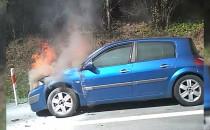 Korek od Karwin do Osowej spalił się samochód