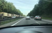 Wojskowe pojazdy utrudniają ruch na obwodnicy