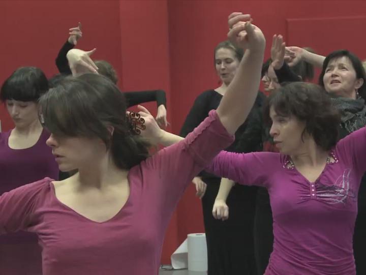 Zobacz jak tańczy się flamenco.