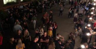 Ulica Elektryków zapełnia się festiwalowiczami