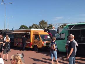 Festiwal food trucków na placu Zebrań Ludowych