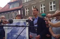 Kacper Płażyński o zamianie dwóch miejskich kamienic na dwa mieszkania